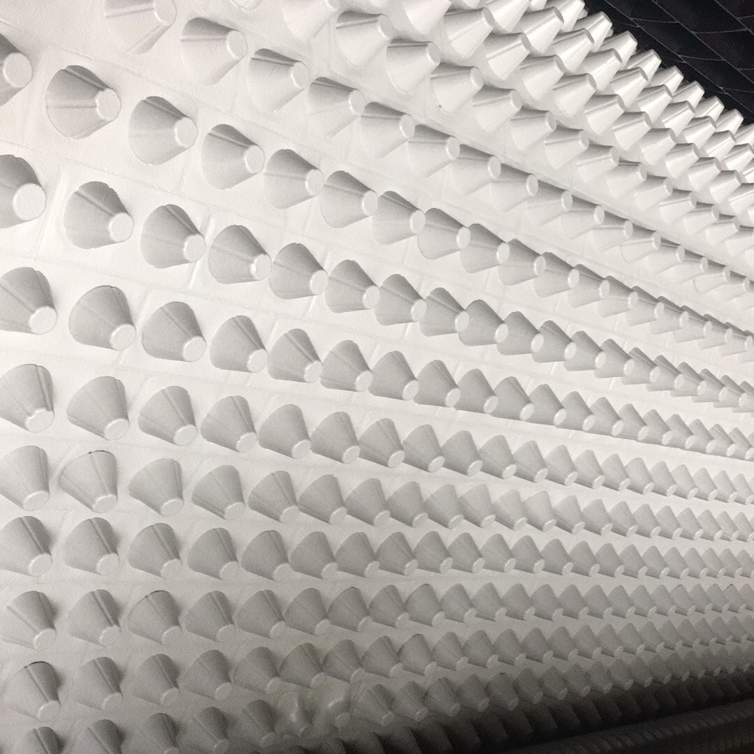 白色排水板